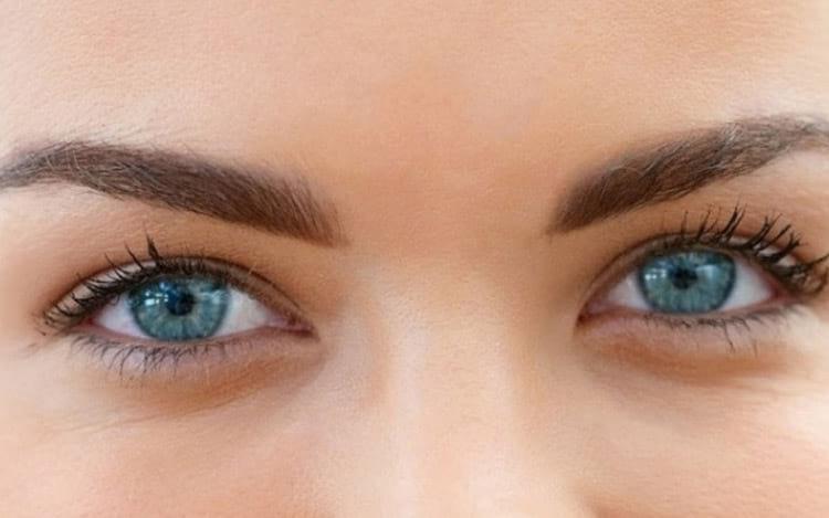 Smartphones mudando o formato dos olhos?