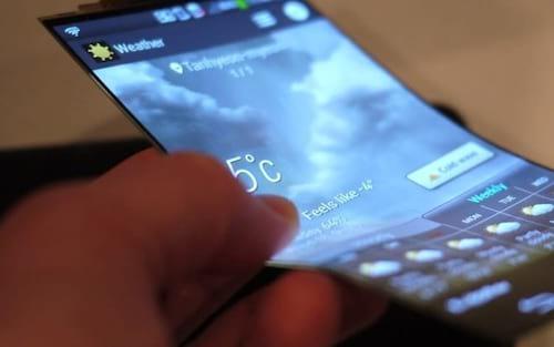 Metade dos smartphones deverá adotar tela OLED até 2020