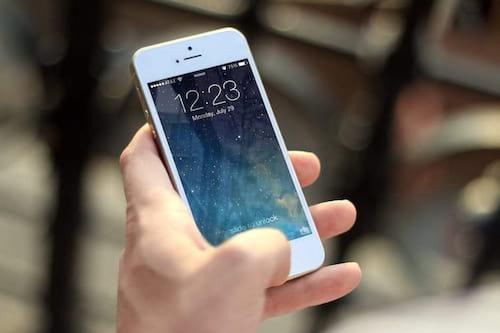 Anatel decide adiar bloqueio de celulares piratas para novembro