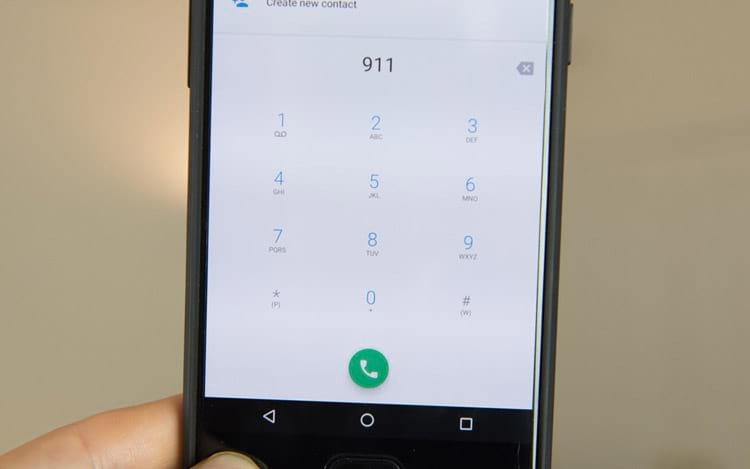 911 trava o OnePlus 5