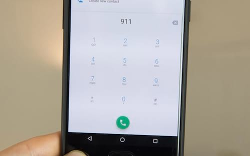 OnePlus 5 trava ao ligar para 911