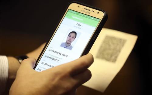 CNH-e: Carteira de motorista digital foi aprovada e começa a valer em 2018