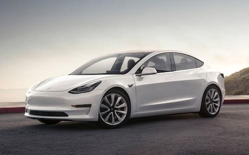 Tesla anuncia carro que pode ser aberto com smartphone