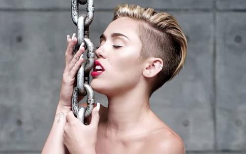 Hackers vazam fotos íntimas de Miley Cyrus, Kristen Stewart e outras celebridades