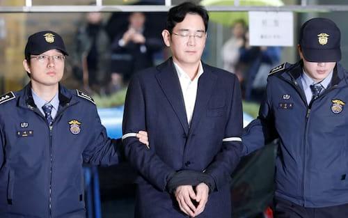 VP da Samsung Jay Y. Lee,  recebe sentença de 5 anos de prisão por suborno