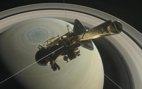 Sonda Cassini mostra imagens inéditas dos anéis de Saturno