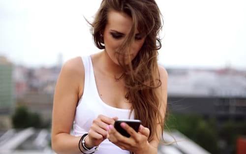Sobe o número de brasileiros que utilizam o smartphone para acessar a internet