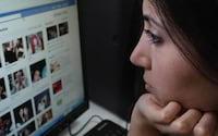 Estudo diz que tristeza faz com que pessoas acessem mais as redes sociais