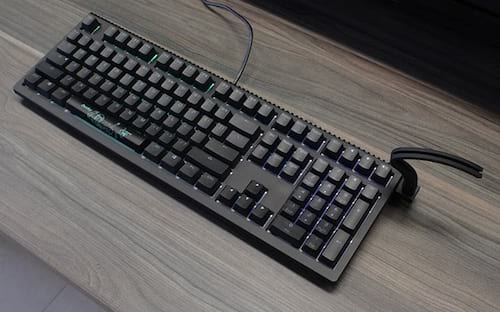 Review: Ducky Shine 6, um teclado com mouse bungee!