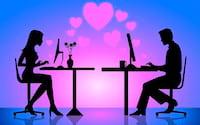 Pesquisa indica que namoros que começam online são mais felizes e duradouros