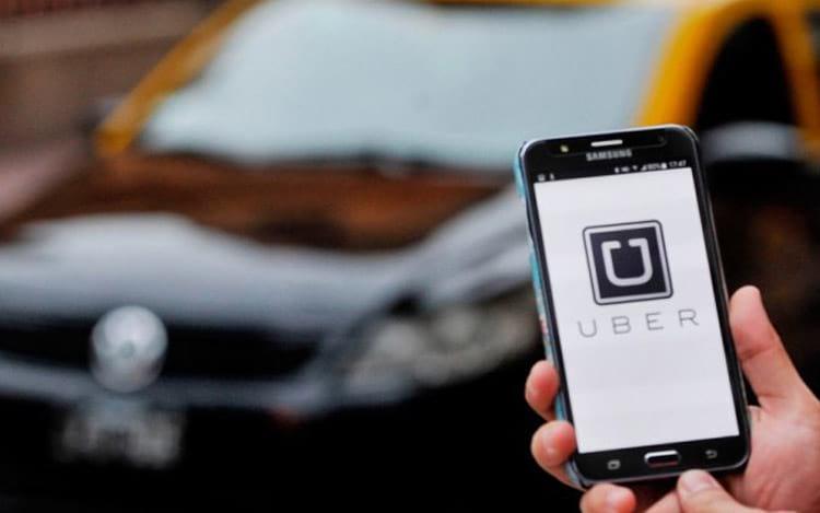 Senado aprova pedido para regulamentação de apps de transportes