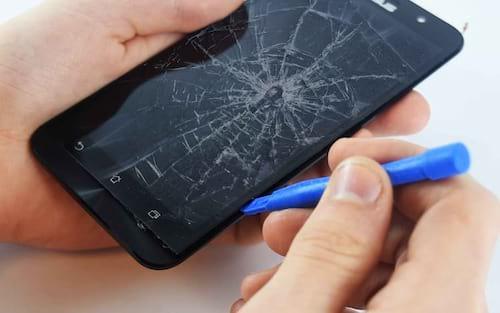Tecnologia inovadora pode desenvolver telas de smartphones inquebráveis