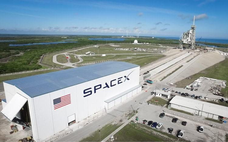 SpaceX irá lançar carga na órbita terrestre de conteúdo desconhecido.