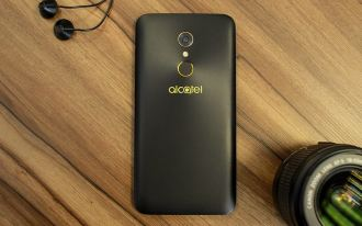 Alcatel A7 - Face traseira