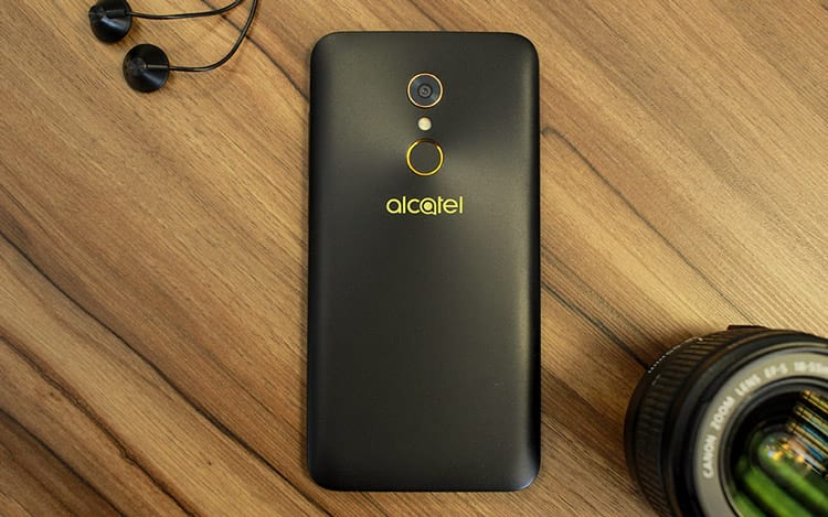 Review Alcatel A7: Um bom custo/benefício