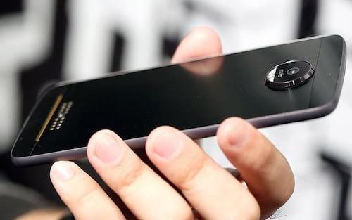 Motorola começa a liberar Android Oreo para linha Moto Z
