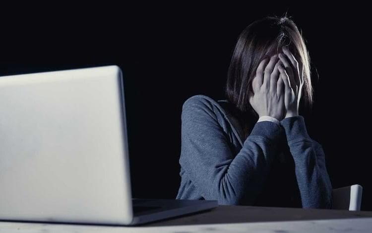 Senado brasileiro aprova criminalização para o pornô de vingança.