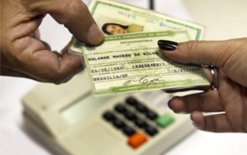 Após CNH, governo poderá lançar título eleitoral digital