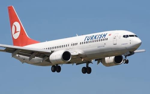 Susto no ar: avião realiza pouso de emergência por nome ameaçador de rede Wi-Fi