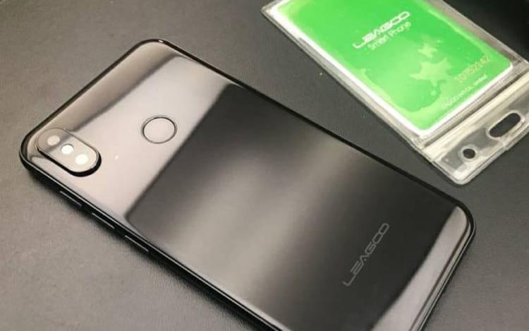 Detalhes da estrutura do Leagoo S9, são extremamente parecidos com o iPhone X.