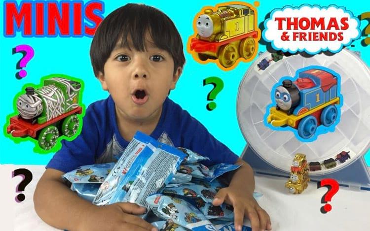 Canal do YouTube do menino é considerado o oitavoperfil mais famoso da plataforma.