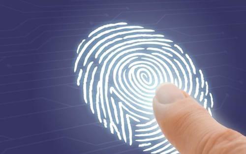 Tendência para 2018 deve sumir com sensor de digitais dos Smartphones