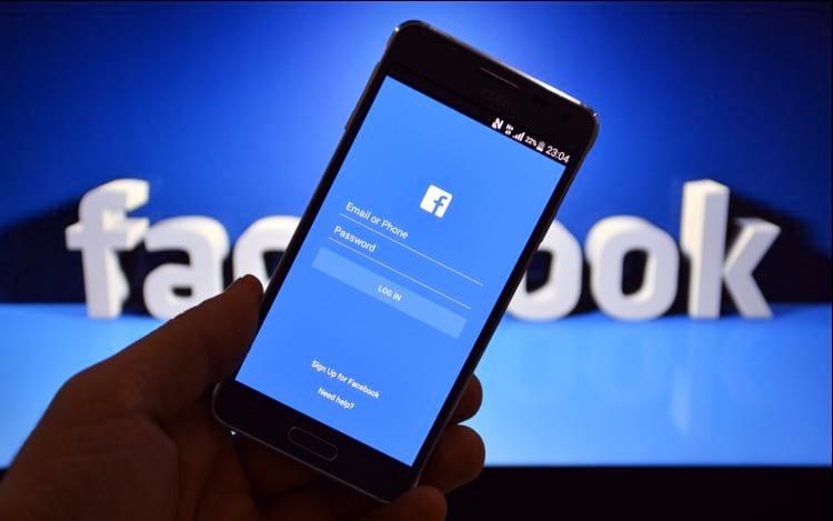 Facebook diz que passividade nas redes sociais não faz bem para saúde mental.