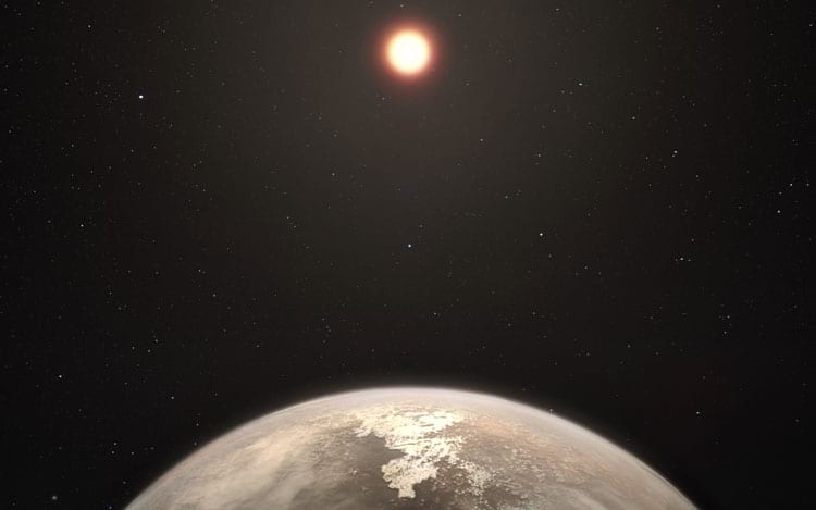 representação do exoplaneta sendo iluminado por Ross 128