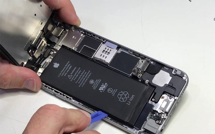 Apple reduz desempenho de iPhones e pode acabar pagando caro por isso.