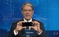 Bombou! Willian Bonner ensina gravar vídeo com celular durante o JN