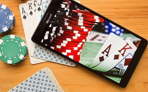 Vantagens e Desvantagens de jogar nos cassinos mobile