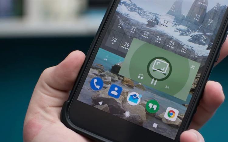 Função PiP facilita o uso de outros aplicativos enquanto se assiste vídeos.