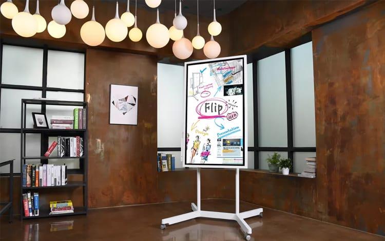Samsung Flip, lousa digital pode ser utilizada tanto na horizontal como na vertical.