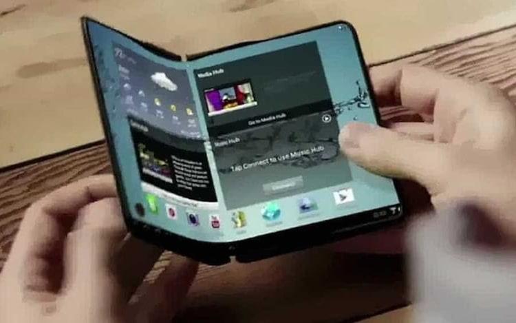 Celular com tela dobrável da Samsung já tem data provável de lançamento.