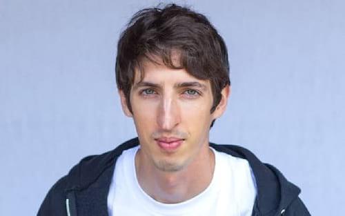 Engenheiro do Google demitido após criticar diversidade de gênero processa a empresa