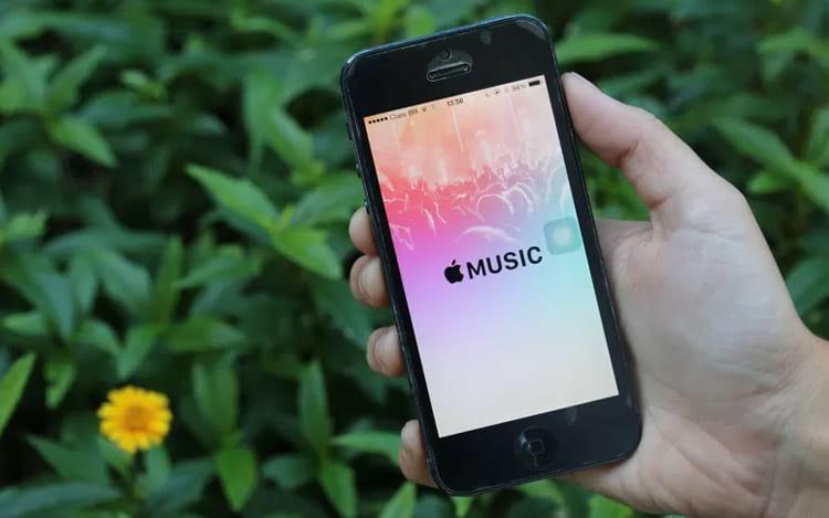 Apple Music deve ultrapassar o número de assinantes do Spotify nos EUA
