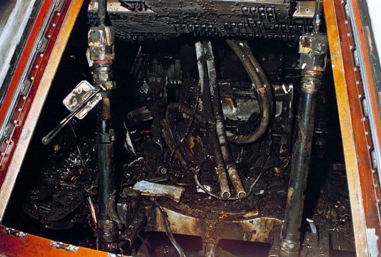 O interior da cápsula Apollo 1 após o incêndio