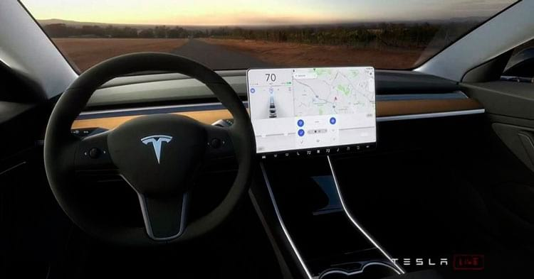 O controverso painel do Tesla Model 3