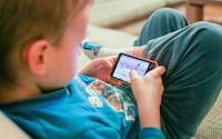 Cientistas desenvolvem algoritmo capaz de identificar quando uma criança está usando o celular