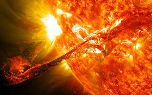 Como uma tempestade solar se forma,  afeta a Terra e pode acabar conosco