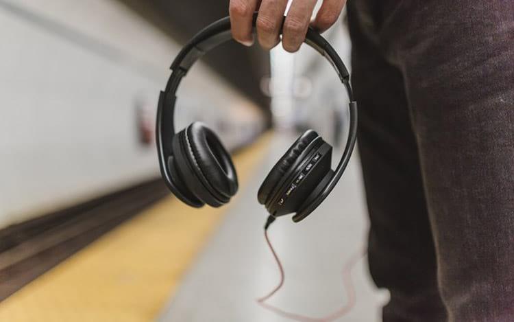 Apple estaria criando seu headphone