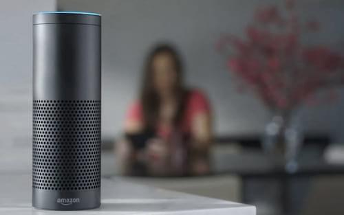 Amazon promete consertar riso assustador da assistente Alexa