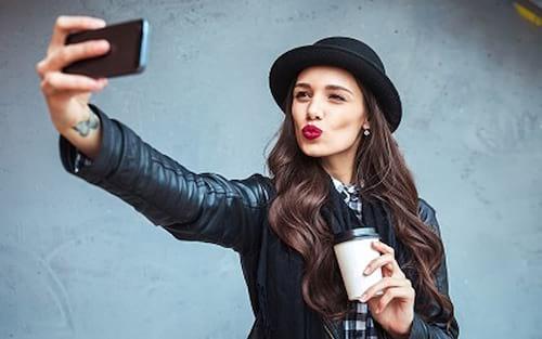 Criminosos vendem dados com selfies de vítimas em Dark Web