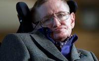 Stephen Hawking morre aos 76 anos, o físico que deu novas perspectivas sobre a origem do universo