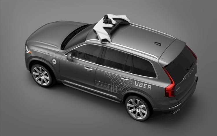 Carro da Uber com capacidade para andar no modo autônomo.