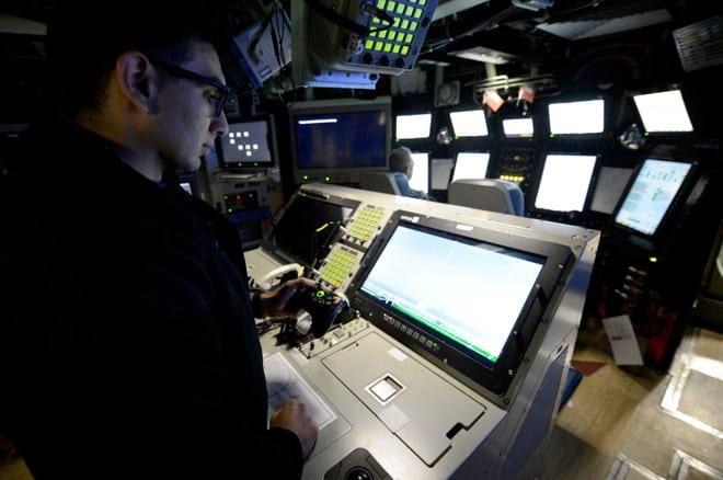 Marinha dos EUA utiliza controle do Xbox para lançamento de submarino.