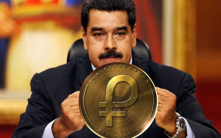 Donald Trump proíbe a compra de criptomoeda venezuelana.