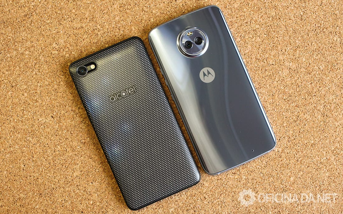 A5 Max Led Edition ao lado do Moto X4