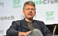 Apple contrata ex-chefe de inteligência artifical da Google para ajudar a melhorar a Siri