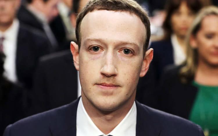 A foto que ficar&aacute; para a hist&oacute;ria da internet, Mark durante o testemunho. <br />Foto: Chip Somodevilla/Getty Images